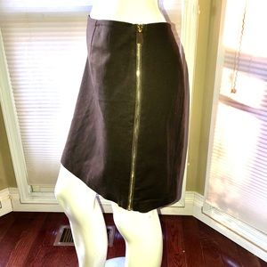 Vince Camuto Skirt w/ zipper on the side